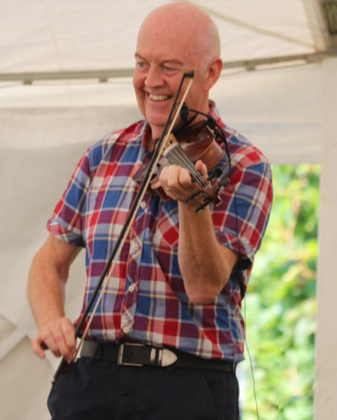 Manus McGuire Celtic Fiddle Player